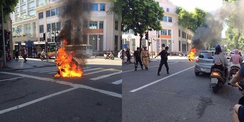 Xe tay ga bốc cháy ngùn ngụt giữa phố Tràng Tiền 1