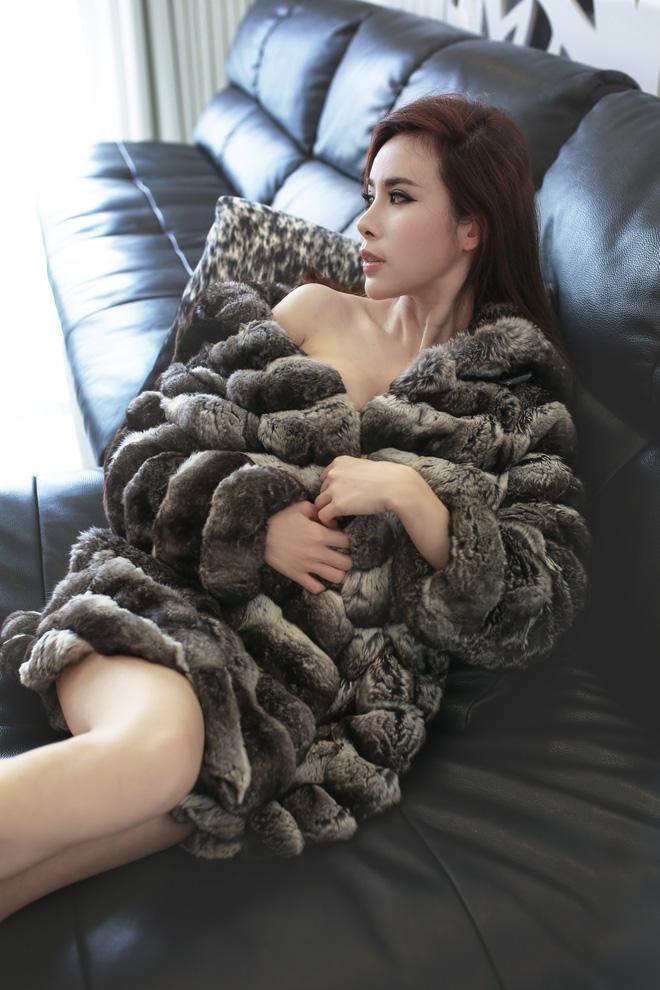 Hoa hậu là đại gia chơi hàng hiệu khét tiếng Việt Nam: Tủ đồ vài chục tỷ! 4