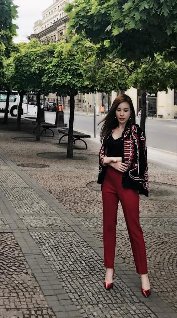 Hoa hậu là đại gia chơi hàng hiệu khét tiếng Việt Nam: Tủ đồ vài chục tỷ! 5