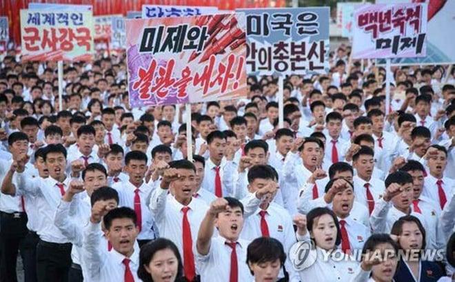 Dân Triều Tiên hừng hực khí thế