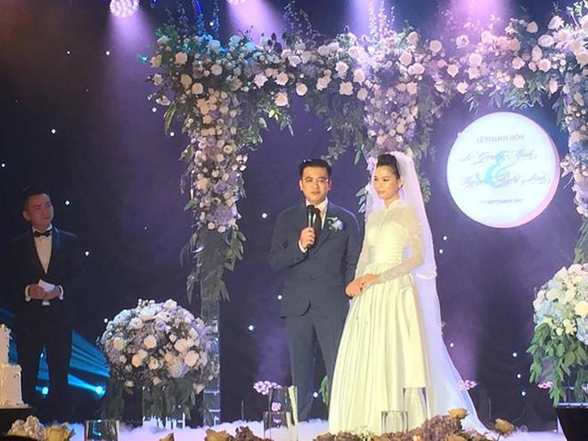 BTV Quang Minh xúc động trong lễ cưới lần hai với nhà văn trẻ 2