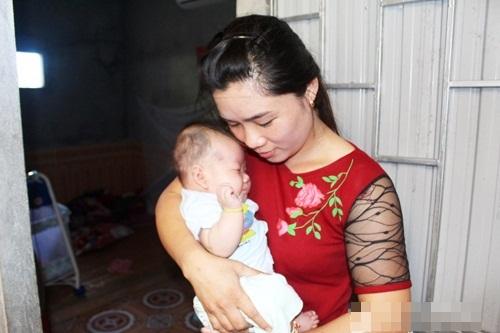 Căng thẳng bỏ phiếu tìm người nuôi bé gái 2 tháng tuổi bị mẹ bỏ rơi 3