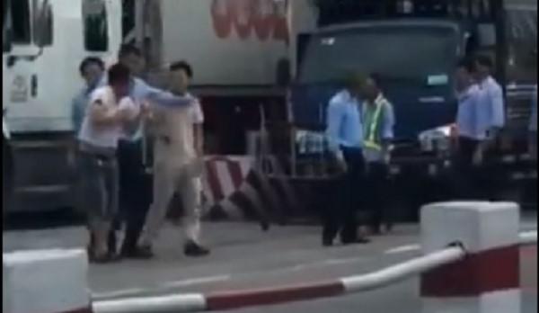Vụ tài xế bị đánh tại trạm BOT: Đình chỉ ca trực để điều tra vi phạm 1