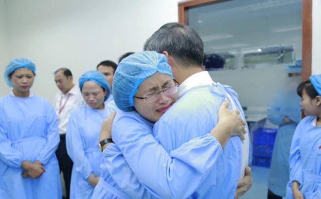 Chân dung vị Viện trưởng nghỉ hưu khiến nhiều người rơi nước mắt 3