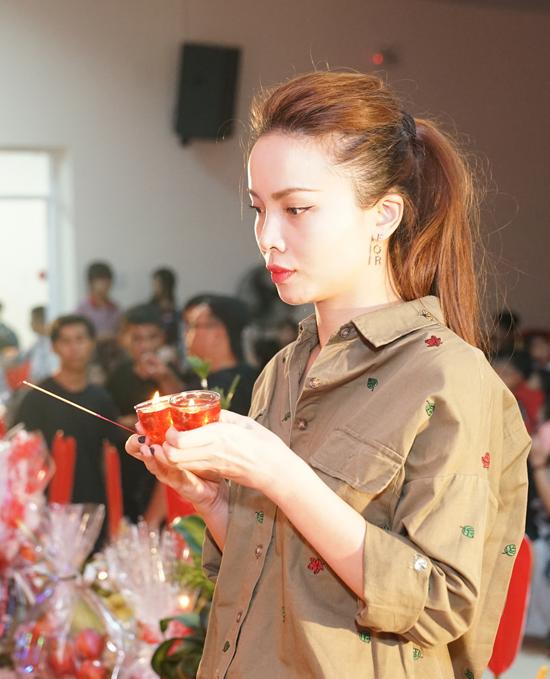 Phản ứng bất ngờ của sao Việt khi Minh Béo đến cúng tổ nghề 5