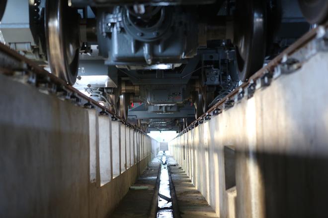 Cận cảnh hàng chục toa tàu được lắp đặt ở đường sắt Hà Đông - Cát Linh 8