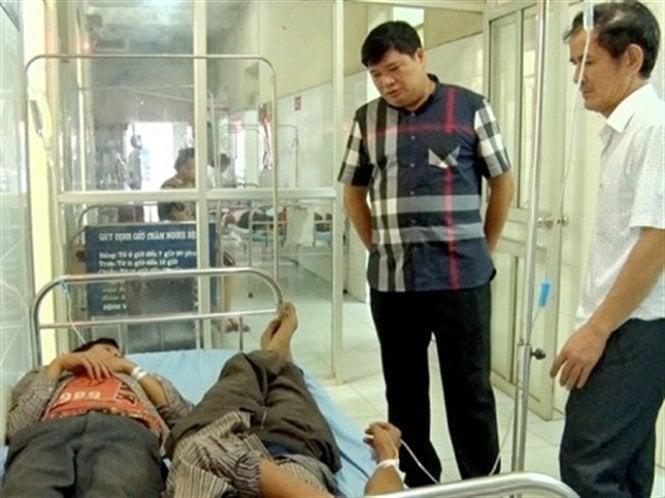 Vụ ngộ độc tập thể sau đám cưới ở Hà Giang: Bộ Y tế vào cuộc 1