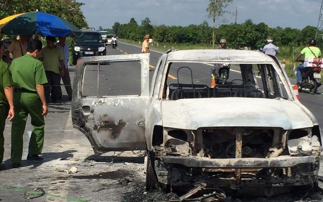 Hình ảnh Ôtô chở giám đốc bị cướp phóng hỏa giữa đường, 3 người bỏng nặng số 1