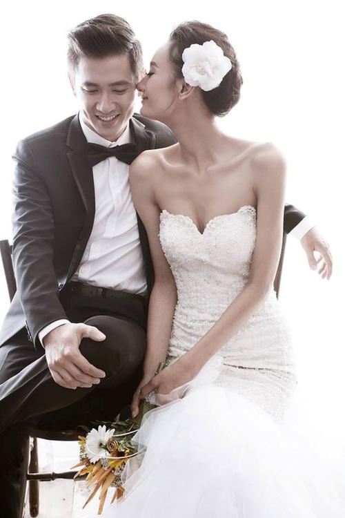 So kè những chiếc nhẫn cưới có trị giá khủng của cặp đôi sao Việt 11