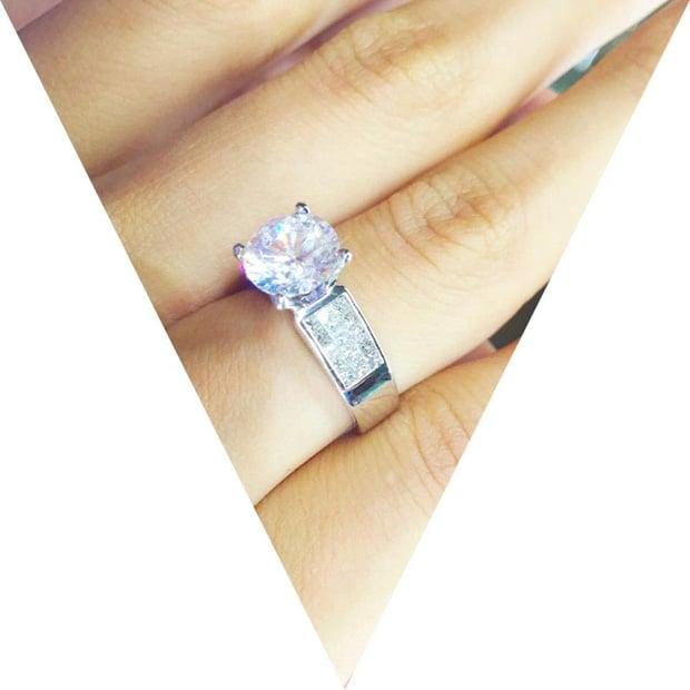 So kè những chiếc nhẫn cưới có trị giá khủng của cặp đôi sao Việt 12