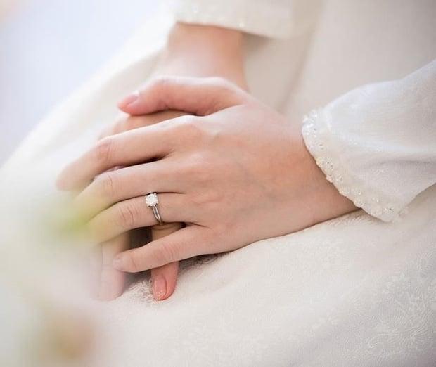 So kè những chiếc nhẫn cưới có trị giá khủng của cặp đôi sao Việt 3