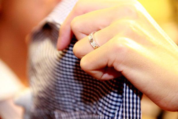 So kè những chiếc nhẫn cưới có trị giá khủng của cặp đôi sao Việt 8