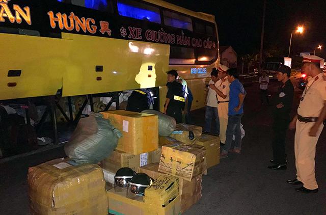 Phát hiện 36 thùng hàng không có hóa đơn xuất xứ từ Trung Quốc 1