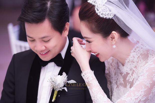 Hoa hậu Thu Thảo bật khóc trước câu nói của chú rể trong tiệc cưới 1