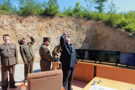 Triều Tiên chuẩn bị thử bắn tên lửa tầm xa mới 1