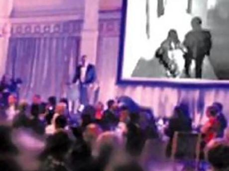 Bị phản bội, chú rể phát video cô dâu ngoại tình giữa đám cưới 1