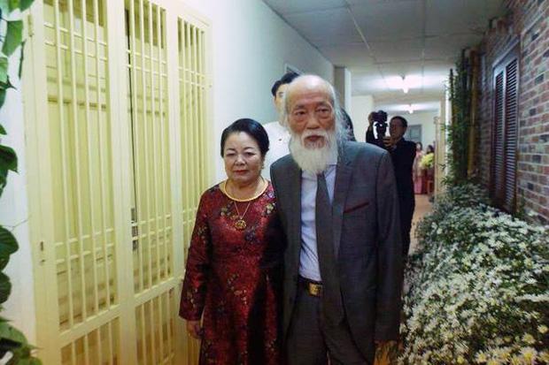 Hình ảnh Chuyện tình yêu 56 năm của PGS Văn Như Cương và vợ: Để đi hết cuộc đời vẫn nắm tay nhau và nói