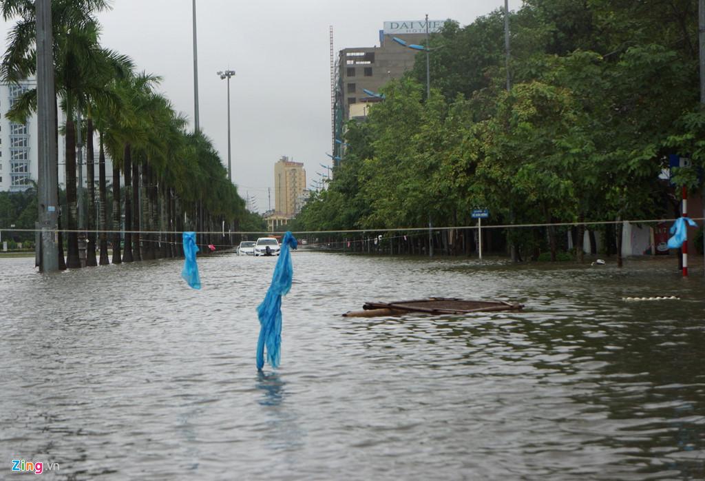 Hình ảnh ngập lụt tại các tỉnh miền Trung 2