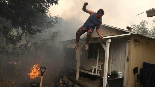 Cháy rừng nghiêm trọng ở Califonia, ít nhất 10 người thiệt mạng 2