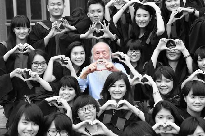 Gia đình PGS Văn Như Cương sẽ dùng tiền phúng viếng xây trường vùng cao 2