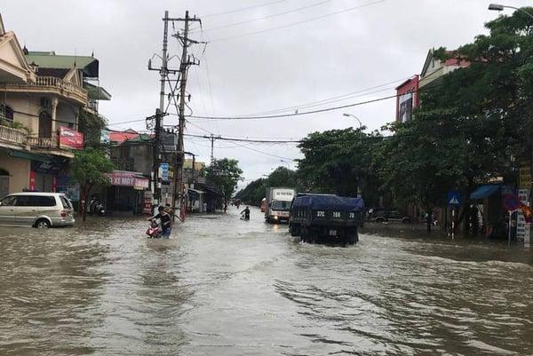 Hình ảnh ngập lụt tại các tỉnh miền Trung 12