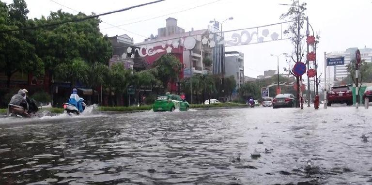 Hình ảnh ngập lụt tại các tỉnh miền Trung 1