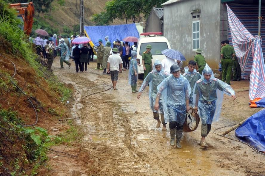 Hình ảnh Sạt lở đất ở Hoà Bình: Thi thể nạn nhân thứ 10 được tìm thấy số 1