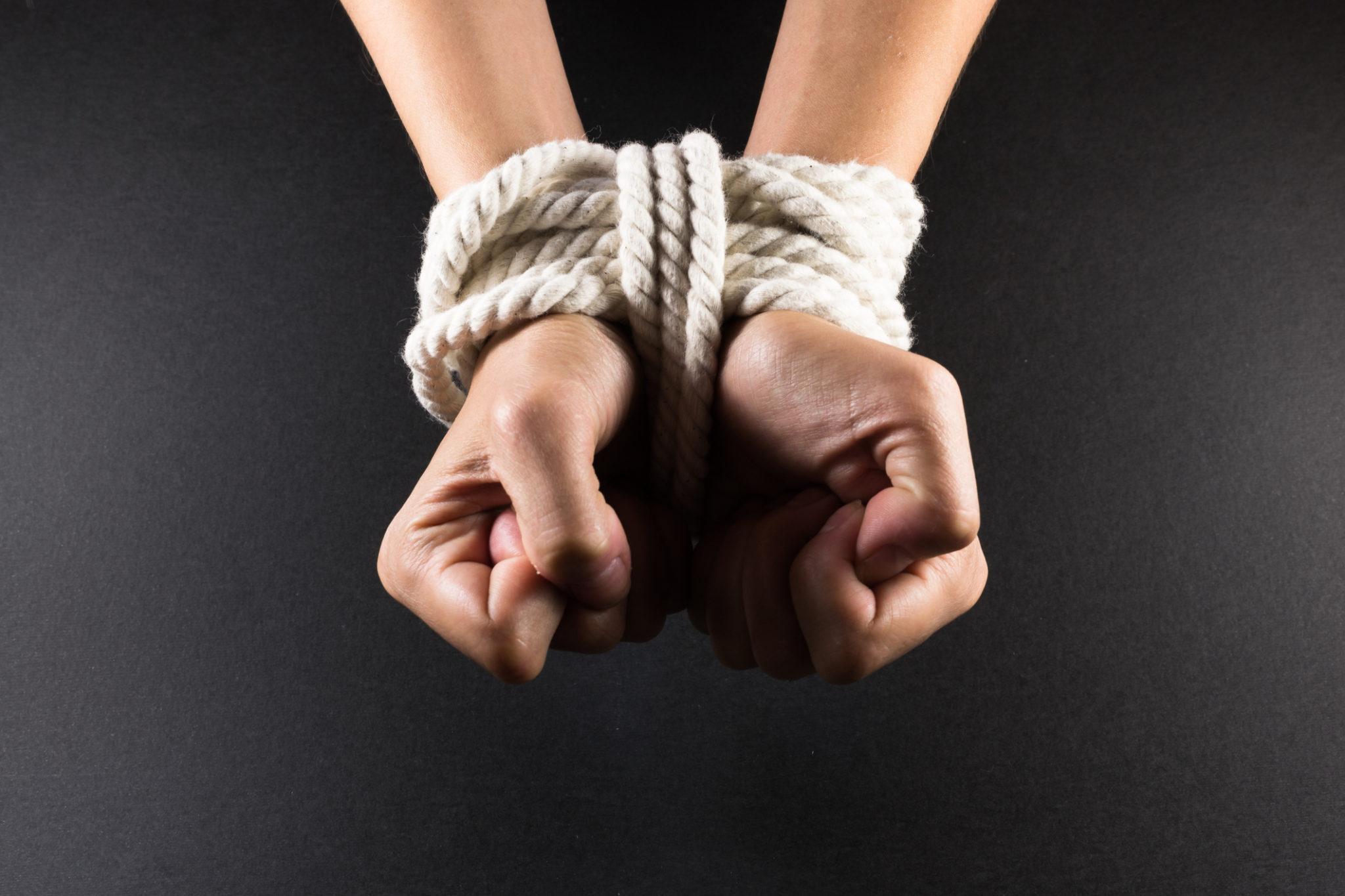 Hình ảnh Giải cứu thiếu niên 15 tuổi bị nhóm thanh niên bắt giữ, hành hạ số 1