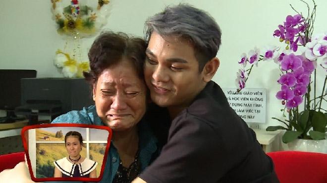 Giải trí - Sơn Ngọc Minh công khai giới tính thật khiến mẹ anh khóc nức nở