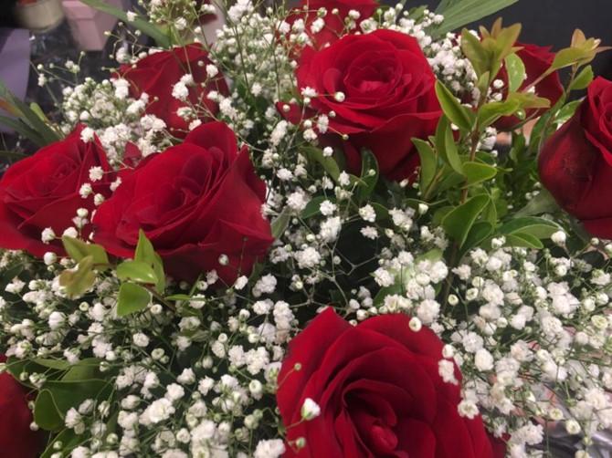 Hình ảnh Thị trường hoa tươi dịp 20/10: Một giỏ hoa hàng chục triệu vẫn cháy hàng số 3