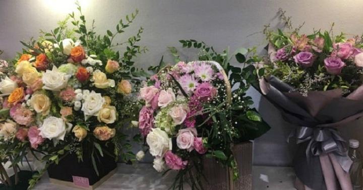 Hình ảnh Thị trường hoa tươi dịp 20/10: Một giỏ hoa hàng chục triệu vẫn cháy hàng số 1