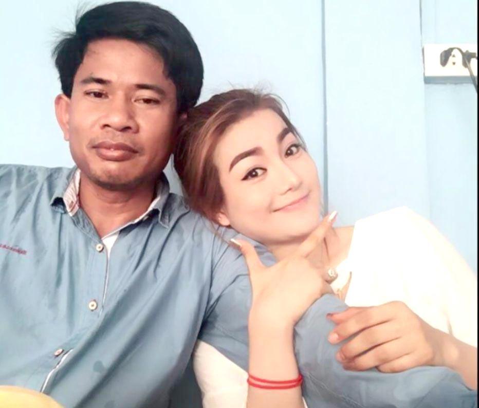 Người hâm mộ đau buồn đưa tiến sao nữ Campuchia bị chồng bắn chết 2
