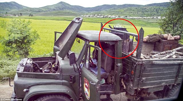 Lộ ảnh hiếm về quân đội Triều Tiên khiến nhiều người bất ngờ 6