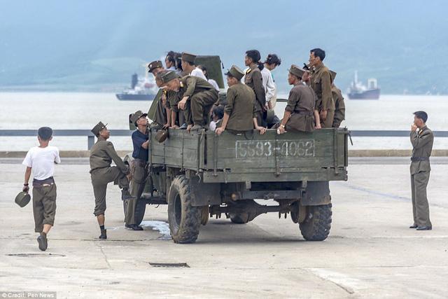 Lộ ảnh hiếm về quân đội Triều Tiên khiến nhiều người bất ngờ 8