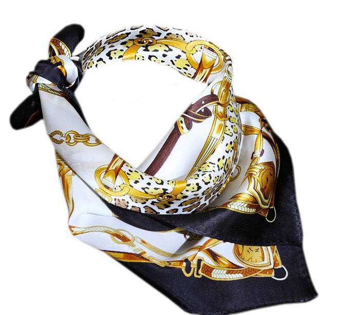 Khăn lụa Khải Silk bán hàng triệu đồng, mẫu tương tự bên Trung Quốc chỉ bằng 1/10 mức giá 7