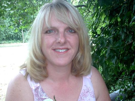 Sau 18 lần sảy thai, điều kỳ diệu đã đến với người mẹ 48 tuổi 1
