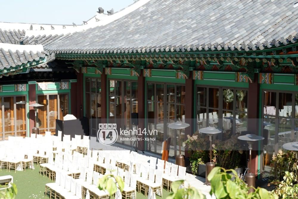 Độc quyền từ Hàn Quốc: Cận cảnh đẳng cấp siêu hoành tráng của lễ đường đám cưới Song Joong Ki và Song Hye Kyo 9
