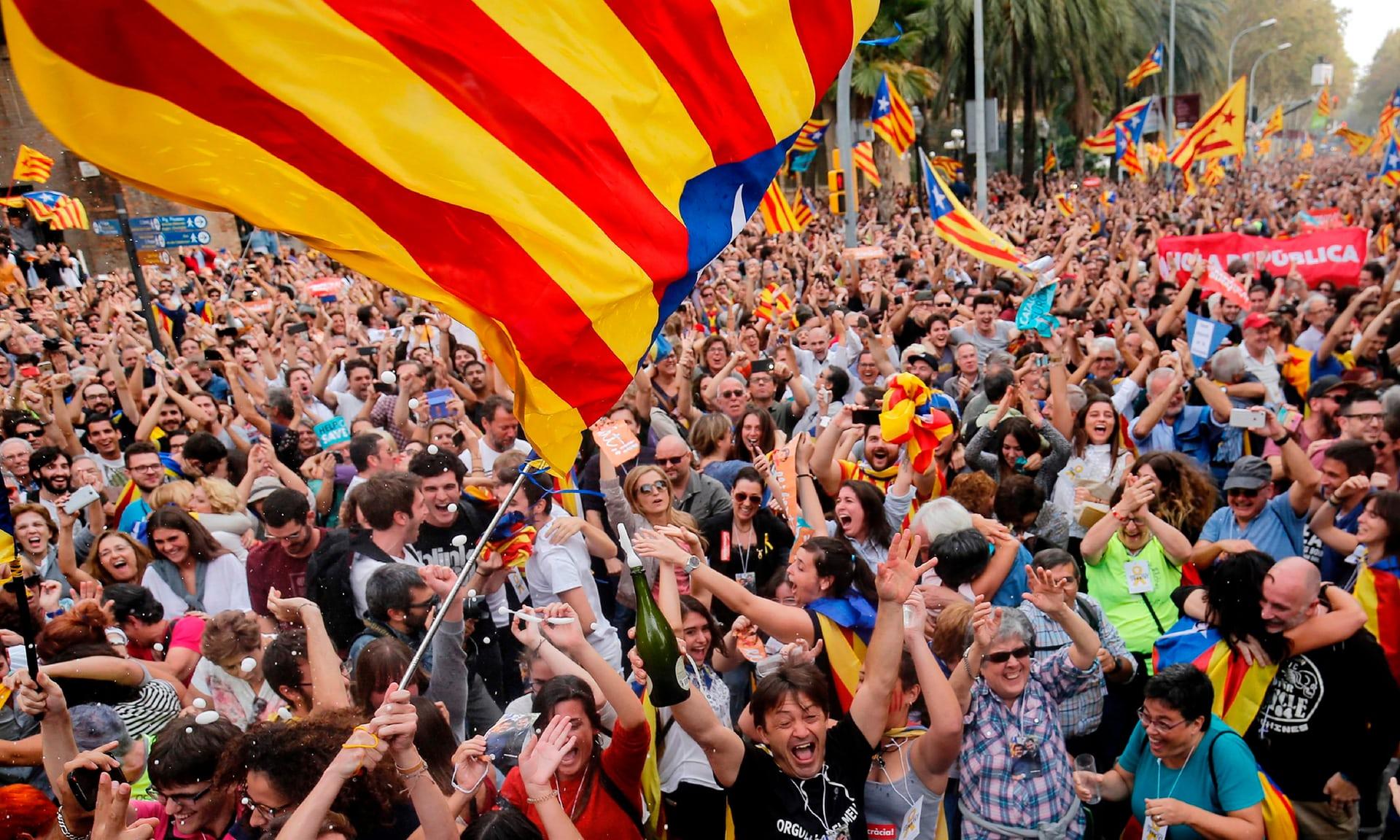 Phản ứng của Chính phủ Tây Ban Nha sau khi Catalonia tuyên bố độc lập 1