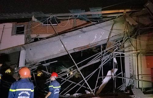 Bất ngờ sập công trình siêu thị khiến 4 người bị thương 3
