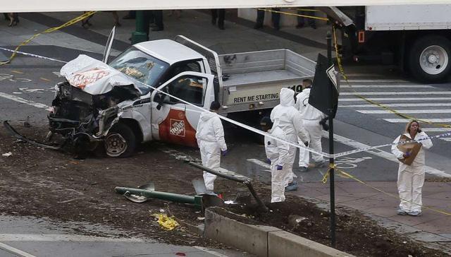 Hình ảnh Hiện trường vụ tấn công khủng bố bằng xe tải tại New York số 2