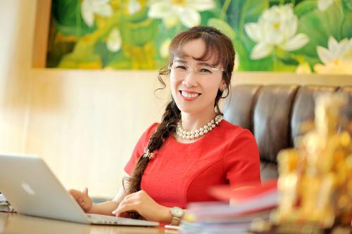 Hình ảnh CEO Vietjet tiếp tục vào top 100 phụ nữ quyền lực nhất thế giới số 1