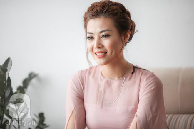 """Hình Ảnh Phan Hương Người Phán Xử Khẳng Định Nguyên Nhân Khiến Vợ Chồng Duy  Khánh. """""""