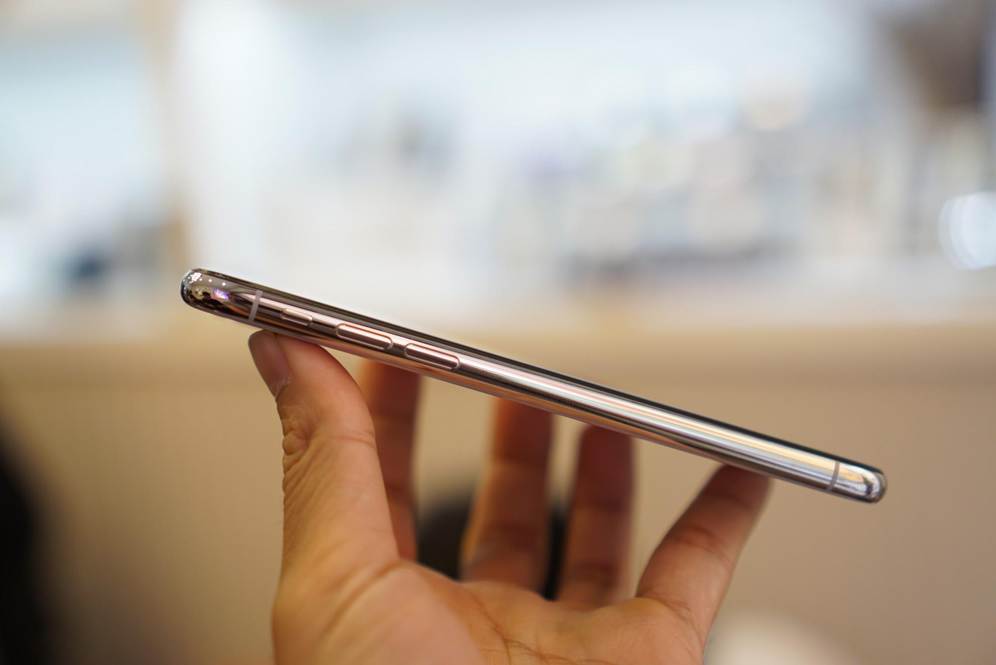 iPhone X giá 68 triệu đây rồi: Màn hình đẹp sắc sảo, thiết kế toàn diện, thao tác hoàn toàn mới 9