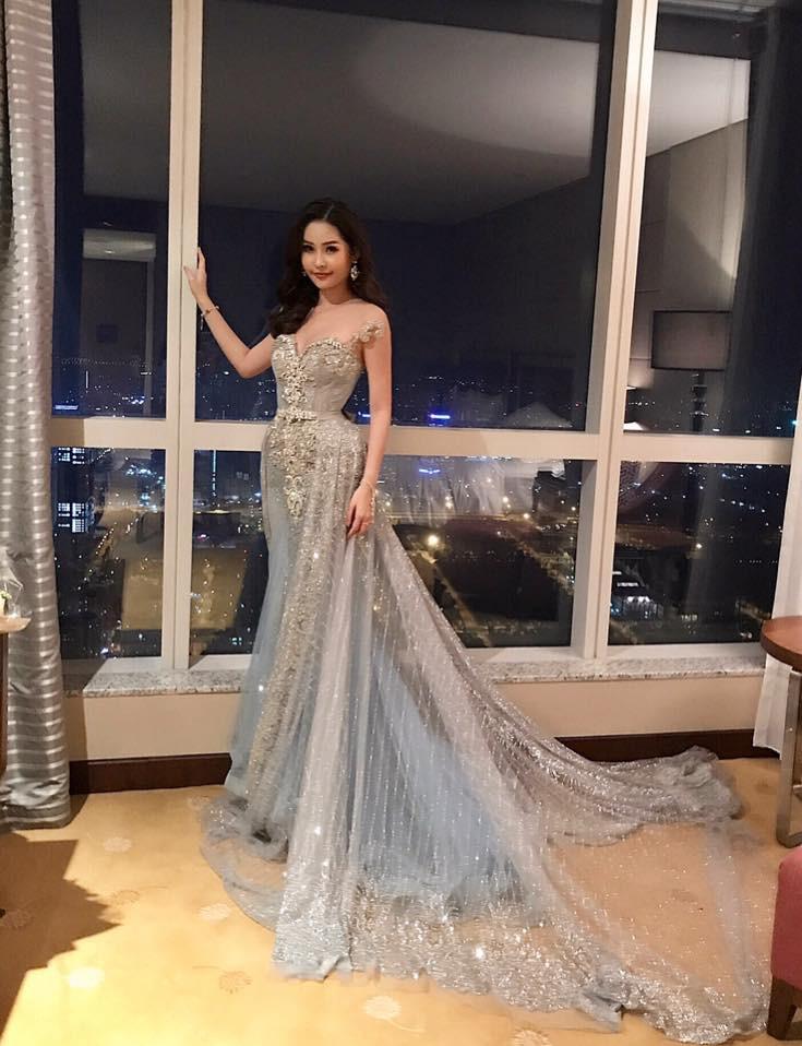 Mặc kệ nhan sắc bị ném đá dữ dội, Tân Hoa hậu Đại dương 2017 vẫn tự tin lộ diện giữa sự kiện 4