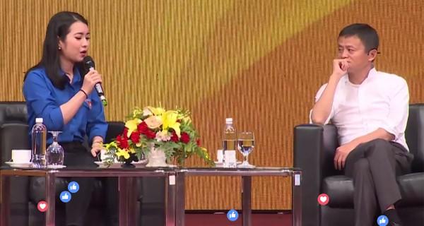 Chân dung cô hoa khôi sinh viên được ngồi cạnh và phỏng vấn trực tiếp Jack Ma ngày hôm nay 1