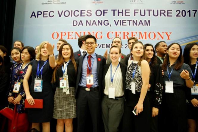 Những  đại biểu xinh đẹp hút hồn tại  APEC 2017 9