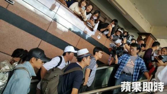 Bi Rain lần đầu xa con gái mới sinh khi tới Đài Loan ghi hình 4