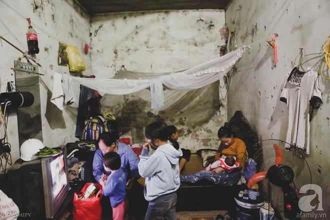 Cảnh nhà bề bộn mà rộn tiếng cười của mẹ siêu mắn đẻ, 29 tuổi có 8 đứa con ở Hà Nội 1