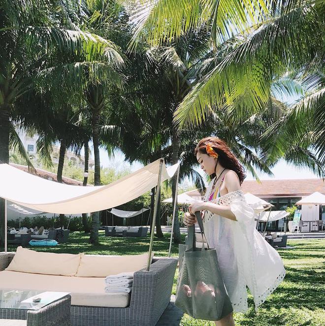 Sắp 30 đến nơi, cựu hot girl Ngọc Mon vẫn trẻ trung sành điệu, hưởng thụ cuộc sống viên mãn bên chồng kém tuổi 35