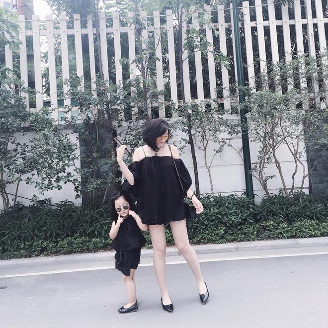 Sắp 30 đến nơi, cựu hot girl Ngọc Mon vẫn trẻ trung sành điệu, hưởng thụ cuộc sống viên mãn bên chồng kém tuổi 7